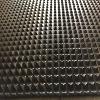 Waterproof Acid Resistant Rubber Car Floor Mat Pyramid Rubber Plate
