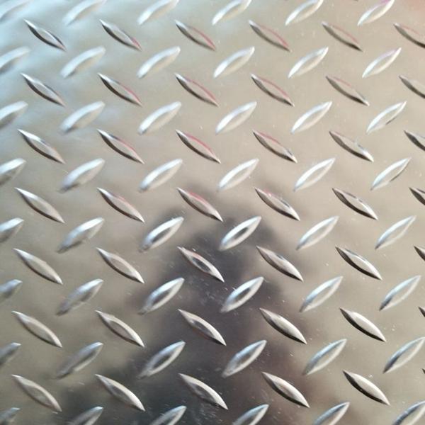 Anti-Slip Abrasion Resistance Diamond Rubber Sheet Mat Roll