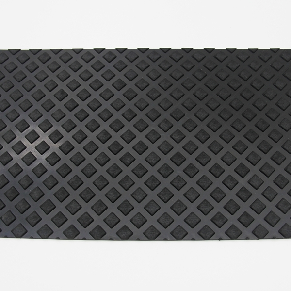 Heavy weight non-slip rubber car mats, variable designs on surface