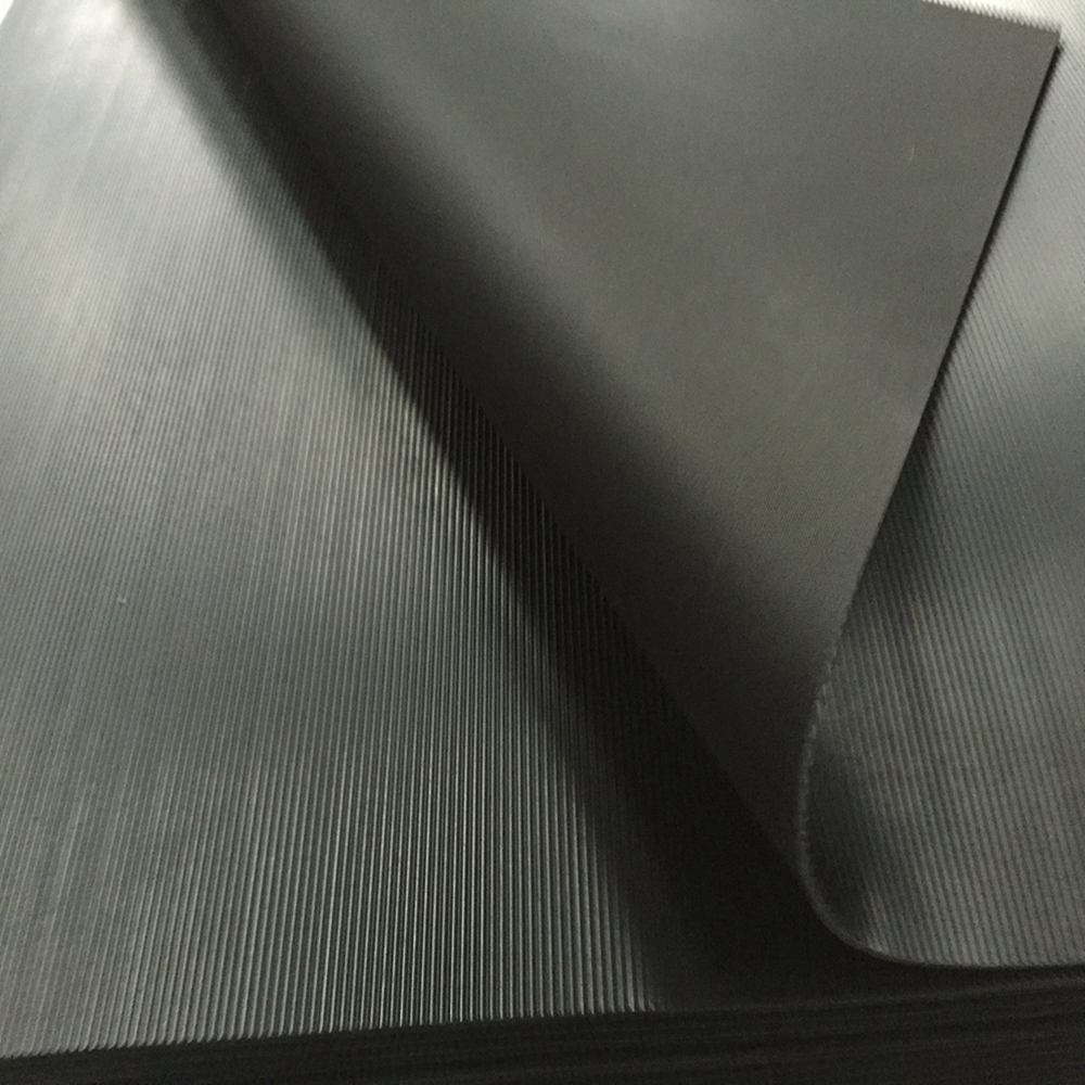 Water-resistant Black Rubber Sheet  5mPa Tensile Strength