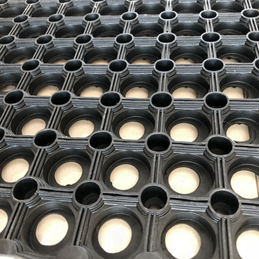 Custom made rubber tiles price factory for farms