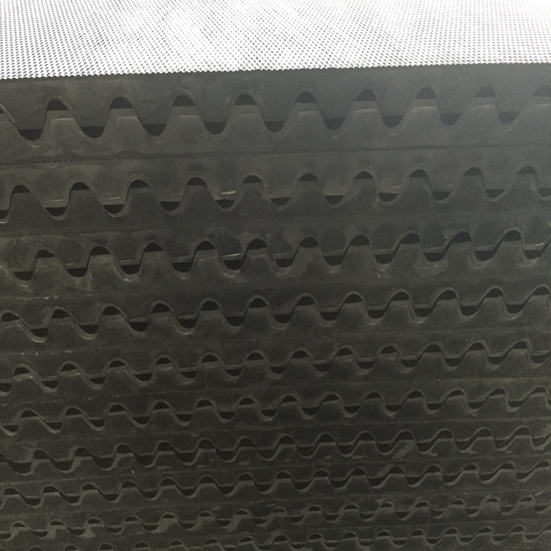 Skypro rubber mat wholesale vendor for car