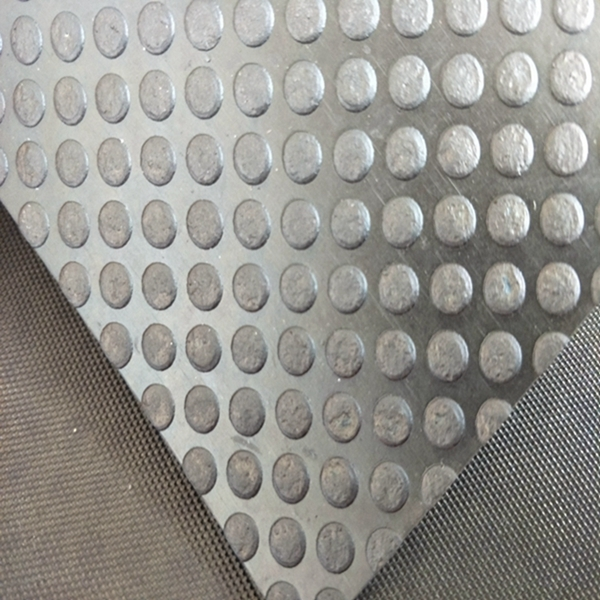 Anti-slip 3-6mm Round Stud Rubber Button Surface Pattern Safe Stable Rubber Mat